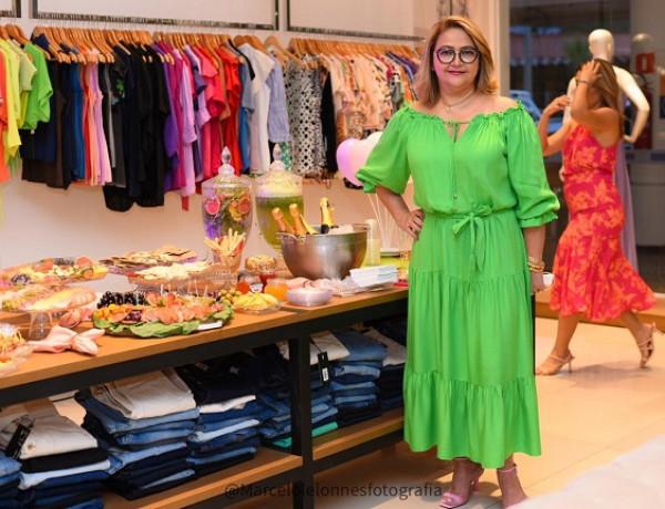 Maria Alves comemora o sucesso da nova coleção da Clean Modas