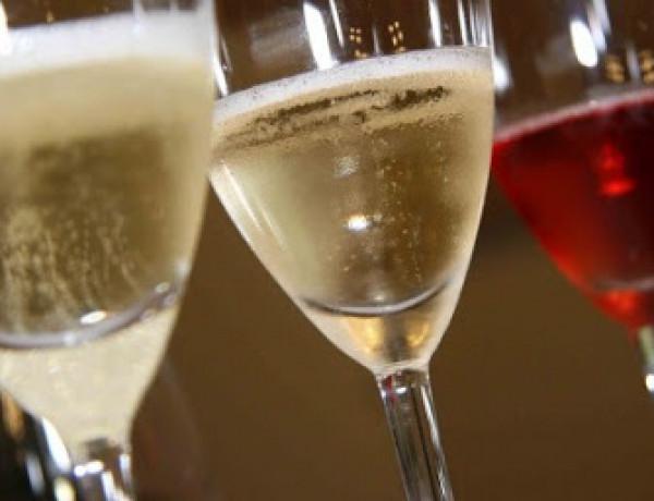 Vinhos brancos, espumantes e rosés são ideais para o B-R-O Bró